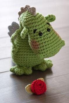 A dragon for Saint George Crochet Fairy, Love Crochet, Crochet For Kids, Crochet Toys, Knit Crochet, Crochet Dinosaur, Crochet Dragon, Knitting Projects, Crochet Projects