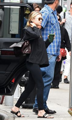 Ashley Olsen Style, Olsen Twins Style, Mary Kate Ashley, Mary Kate Olsen, Elizabeth Olsen, Petite Fashion, Curvy Fashion, Style Fashion, Olsen Fashion