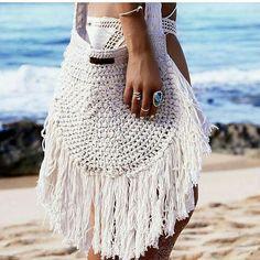 klawerswim:: Bolsa disponível em qualquer cor 17 #crochet #crochetpassion #croptop #crochetbikini #crochettop #croche #handmadr #handwork #handmadeforyou #handmadetop #handmadewithlove #tropical #tropic #beachwear #beach #summernight #summer #summerscommig #fashion #dress #dresstore #clothes #bag