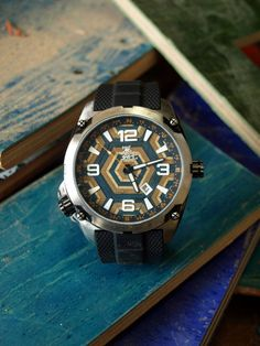 Limited Edition Recycled Skateboard Watch Second por SecondShot