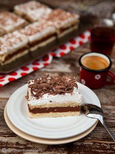 Hungarian Desserts, Romanian Desserts, Jell O, Food Cakes, Desert Recipes, Vegan Desserts, Tiramisu, Cake Recipes, Deserts