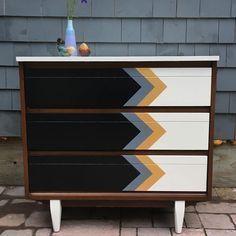 painted dresser - painted furniture #retrohomedecor