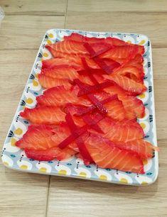 Saumon gravlax mariné à la betterave et à la vodka - CAMELIE