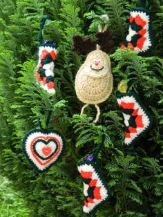 Christmas Decorations , Set of 6 Hand Crochet Christmas Tree Decorations with Crochet Basket, Christmas Tree Decorations