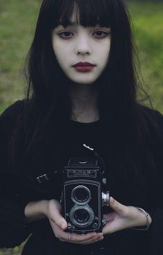 Super photography beautiful girl people ideas in 2020 Foto Portrait, Female Portrait, Photography Women, Portrait Photography, Fashion Photography, Pinterest Photography, Photography Settings, Photography Accessories, London Photography