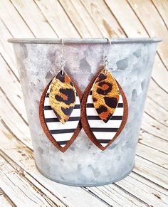 Leopard Leather Earrings, Black Striped Leather Earrings, Statement Leather Earrings, Large Leather Earrings by whiteshedcreations on Etsy Diy Leather Earrings, Diy Earrings, Bridal Earrings, Leather Jewelry, Leather Craft, Earrings Handmade, Handmade Jewelry, Cute Jewelry, Jewelry Crafts