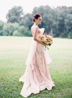 Color rosa palo para el vestido de la novia