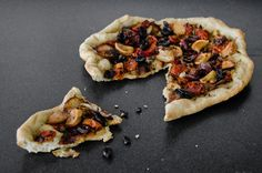 grilled vegetable focaccia by art and lemons, via http://www.artandlemons.com/2012/05/grilled-vegetable-focaccia.html#