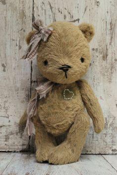 Artist Bear handmade Aimie SOLD SOLD van bearwithmee op Etsy, £89.00
