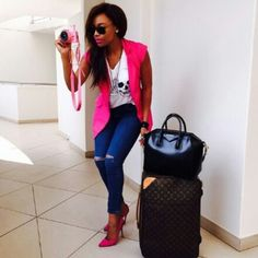 Bonang: pink sleeveless blazer and pink heels, white t, blue jeans. Holiday Outfits, Fall Outfits, Casual Outfits, Cute Outfits, Sleeveless Blazer Outfit, Blazer Outfits, White T, Passion For Fashion, Plus Size Fashion