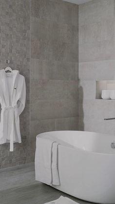 Grey Bathroom Tiles, Concrete Bathroom, Bathroom Tile Designs, Modern Bathroom Design, Bathroom Interior Design, Interior Design Living Room, Modern Toilet Design, Toilet Tiles Design, Modern Marble Bathroom