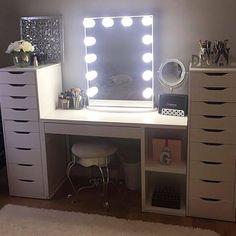 Beautiful and glamorous vanity and makeup storage My New Room, My Room, Ikea Alex Drawers, Makeup Storage, Makeup Organization, Vanity Set, Vanity Room, Vanity Ideas, Glam Room