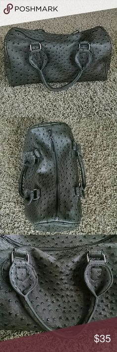 """VEOND FAUX OSTRICH HANDBAG Like New Faux Ostrich Tote Style Handbag Zipper Top Inside zipper pocket  Gray/ Slate Color with Silver Accents Perfect Overnight Bag Length 14"""" Width 7"""" Height 10"""" Smoke Free, Pet Free Veond Bags Totes"""