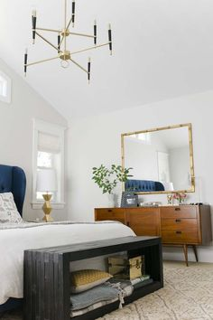 Mid-century modern style is a trend not going away anytime soon, a chic aesthetic with pared down, clean lines and an organic ease that's very appealing.