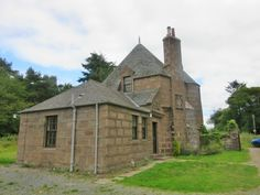 Will you be renting in Scotland? With 3692 properties up for rent in Scotland, you'll find the perfect place with us. Vacation Rentals, Renting A House, Cottages, Drum, Scotland, Castle, Houses, Cabin, Bedroom