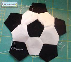 Kostenlose Nähanleitung: Luftballonhülle Fußball | Feines Stöffchen: Nähen für Kinder, kostenlose Schnittmuster, Stickdateien, Stoffe und mehr.