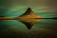 aurores boréales à Kirkjufell, Islande