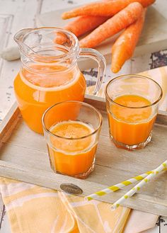 Neus cocinando con Thermomix: Zumo de zanahorias con naranja Juice Smoothie, Smoothies, Cocktail Drinks, Alcoholic Drinks, Sorbets, Chicken Salad Recipes, Fruit Trees, Punch Bowls, Cantaloupe