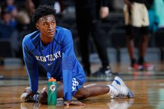 Immanuel Quickley of the Kentucky Wildcats stretches before the game against the Vanderbilt Commodores at Memorial Gym on January 2019 in Nashville, Tennessee. Kentucky won Get premium, high resolution news photos at Getty Images Uk Basketball, Basketball Players, University Of Kentucky, Kentucky Wildcats, Kentucky Sports, Vanderbilt Commodores, January 29, March Madness, Tennessee