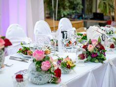 Comment faire et organiser son plan de table mariage ? Wedding Planner Cost, Wedding Costs, Budget Wedding, Wedding Tips, Fall Wedding, Dream Wedding, Wedding Dress, Wedding Table, Wedding Bride