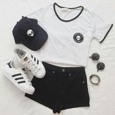clothes, cute, fashion, girl, outfit on We Heart It Teenage Outfits, Teen Fashion Outfits, Cute Fashion, Outfits For Teens, Trendy Outfits, Girl Outfits, Jugend Mode Outfits, Vetement Fashion, Cooler Look