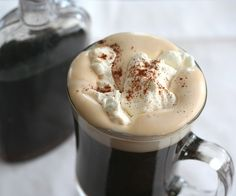 Low Carb Mexican Coffee with Sugar-Free Coffee Liqueur day long i dream about food low carb recipes Homemade Coffee Liqueur - Sugar-Free Low Carb Sweets, Low Carb Desserts, Low Carb Recipes, Low Carb Cocktails, Cocktail Recipes, Nespresso, Starbucks, Yummy Drinks, Holiday Recipes