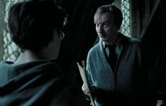 After a Snape encounter, Harry shows Lupin his map. Lupin Harry Potter, Harry Potter Images, Harry Potter Fan Art, Harry Potter Fandom, Harry Potter Characters, Remus And Sirius, Remus Lupin, Welcome To Hogwarts, Harry Potter Background