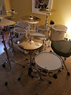 Printer Projects New York Info: 1848355887 Drums Wallpaper, Girl Drummer, Drum Room, Drum Music, Vintage Drums, Drum Lessons, Music Artwork, Drum Kits, Saxophone