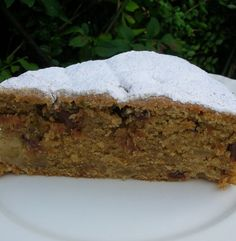 APPLE AND THYME CAKE