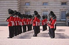 Buckingham Palace Tour Including Changing of the Guard Ceremony and Afternoon Tea - London | Viator