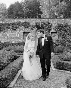 An Elegant Southern Wedding At Home | Martha Stewart Weddings - On April 18, 2015, nearly a year after their engagement, the two did just that in front of 375 guests at her parents' Italian-inspired estate in Greenville. The family pastor married the pair in a Christian ceremony; then, in true foodie style, they celebrated with a cocktail hour that included an oyster table and Champagne bar, followed by a four-course southern-inspired tasting menu.