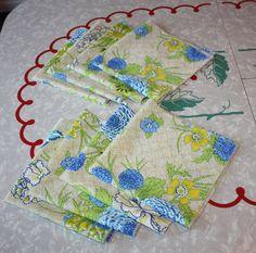 Vintage Floral Cloth Napkins 8-Piece Set by FelicesFinds on Etsy