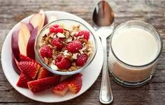 Should you eat breakfast? Is breakfast really the most important meal of the day? Find out how breakfast factors into a healthy diet and how a morning meal affects blood sugar. Healthy Breakfast Snacks, High Protein Snacks, Health Breakfast, Breakfast Recipes, Breakfast Ideas, Morning Breakfast, Morning Morning, Vegetarian Breakfast, Perfect Breakfast