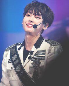 Sf 9, Fnc Entertainment, Korean Boy Bands, Golden Child, Seong, King Queen, Boyfriend Material, K Idols, Boy Groups