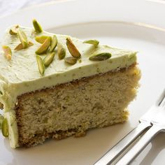 Sicilian Pistachio Cake Recipe-Love Pistachio anything! Just Desserts, Delicious Desserts, Yummy Food, Sweet Recipes, Cake Recipes, Dessert Recipes, Pistachio Cake, Pistachio Recipes, Gateaux Cake