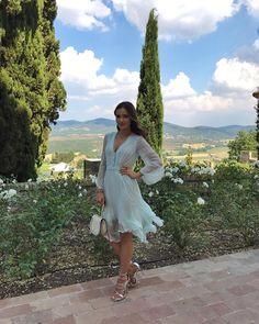 Obserwujący: 489.6 tys., obserwowani: 1,725, posty: 1,356 – zobacz zdjęcia i filmy zamieszczone przez MaRina (@marina_official) na Instagramie Tuscany, Celebrity Style, White Dress, Italy, My Style, Celebrities, Summer, Instagram, Dresses