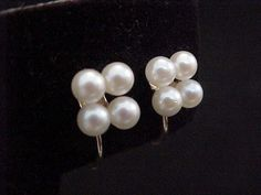 Vtg SIGNED 14k YG Ea w/ 4 4mm Cultured Pearl Cluster Screw Back Earrings 3.1Grs #Unidentified #Cluster