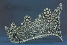 Side view of the diadem of (French) Empress Joséphine de Beauharnais (Napoléon's first wife). Made for her coronation in December 1804.