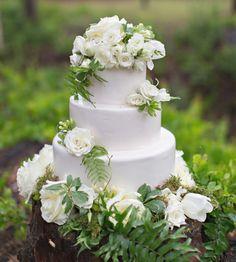 Twilight Inspired Wedding Cake by Johnson's Custom Cakes & More  http://www.johnsonscustomcakes.com/wedding-cakes/twilight-inspired-wedding-cake/