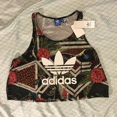 Adidas Crop Top ~Reposhing~  I only tried it on but didn't like the way it looked on me. It's a crop top. Make an offer! Adidas Tops Crop Tops