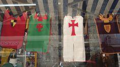 Idée de déguisement facile en couture  - chevalier - vu en boutique à Deauville en 2015.