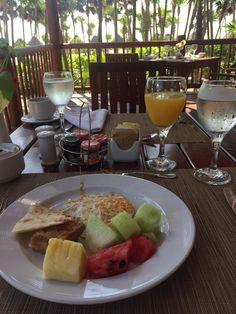 Breakfast at Mar y tierra
