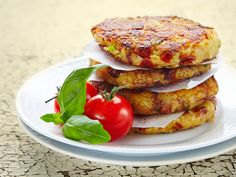 Tasty, Yummy Food, Salmon Burgers, Food And Drink, Cooking Recipes, Chicken, Meat, Baking, Breakfast