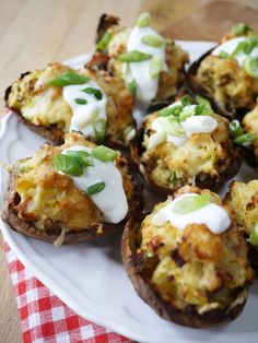 Skinny LOADED Cheese and Bacon Potato Skins | A lighter version of the classic stuffed cheesey potatoes. A delicious lunch, snack or appetizer, these are Slimming World diet friendly | http://www.tamingtwins.com