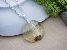 Könnyű szélben műgyanta préselt virágos nyaklánc