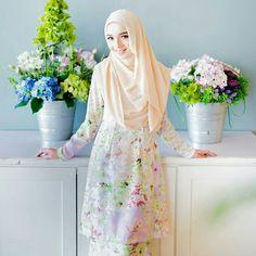 Any pastel lover? Dress and hijab @minimalace