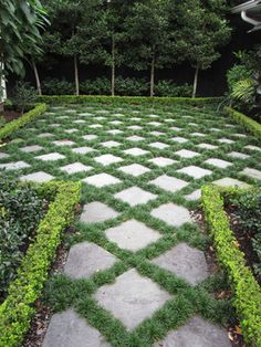 Pavers and Mondo Grass - Steingarten - Garden Floor Formal Gardens, Outdoor Gardens, Front Yard Landscaping, Backyard Landscaping, Backyard Ideas, Stone Landscaping, Big Backyard, Ranch Landscaping Ideas, Stone Backyard
