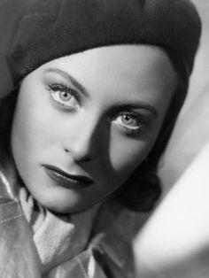 """L'actrice française Michèle Morgan, dans le film """"Quai des Brumes"""", 1938"""