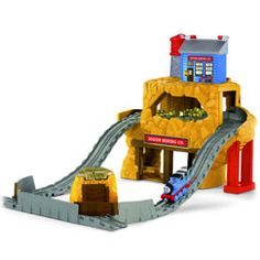 Who loves the Thomas the Train Take N Play sets? Anyone looking for serious play time fun! These train sets are great for active play and working. Thomas And Friends Toys, Thomas Toys, Presents For Boys, Thomas The Tank, Toy Story Party, Toy Boxes, Little Man, Fisher Price, Cool Kids