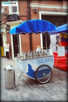 Gelato cart, pastries van and food truck to sell street food Ice Cream Cart, Make Ice Cream, Homemade Ice Cream, Gelato Bar, Gelato Shop, Soho, Pizza Vans, Mobile Shop, Greater London